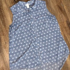 H&M Flowy blue and white Button tank